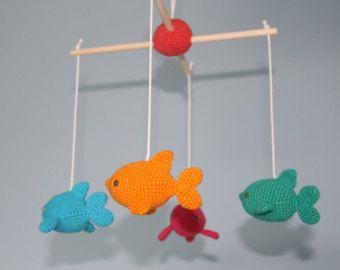 Delfines en el mar azul - crochet bebé móvil