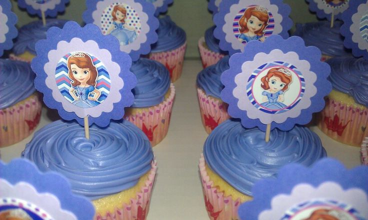 Sophia the First cupcakes