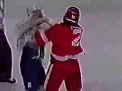 Bob Probert vs Wendel Clark -  2. Rounds