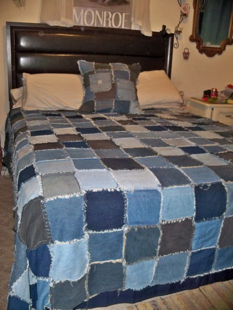 Picture of Denim Rag Quilt...........I have tons of denim.  Now all I need is time to make one of these!!