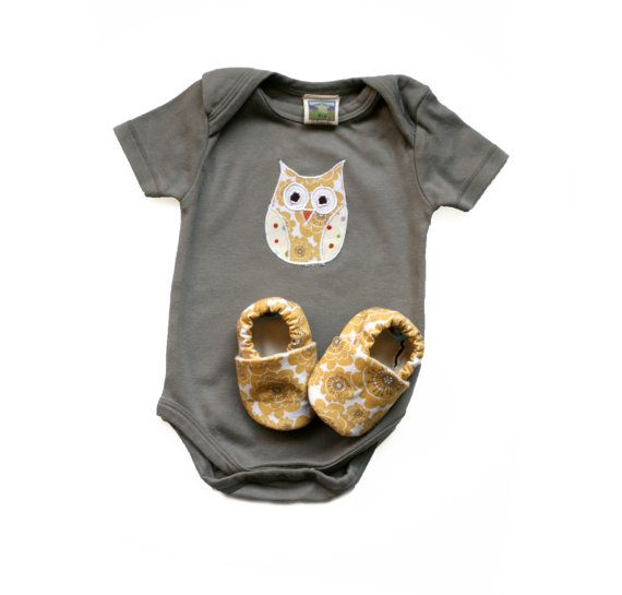 Owl Organic Bodysuit with Mums Matching Organic Baby Shoes in Gray and Yellow Baby girl 0 3 6 12 months Eco Friendly