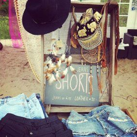 The Style Lion, een online boetiek vol vintage, accessoires en originele kleding.