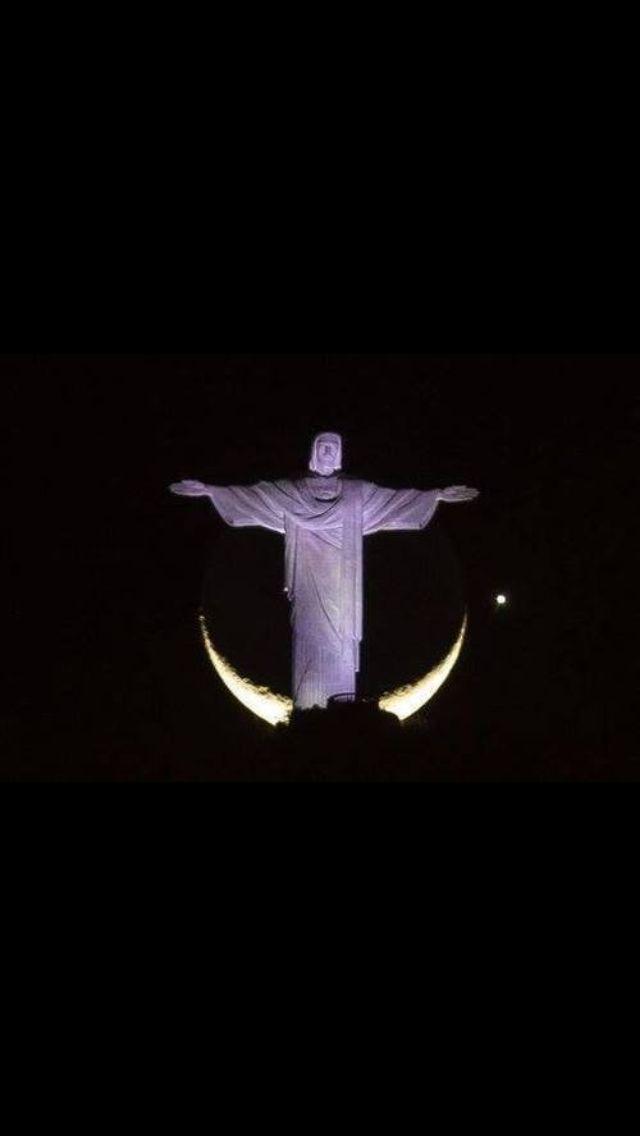 A Lua, planeta Vênus, e a mais bela vista do Rio de Janeiro, Brasil...
