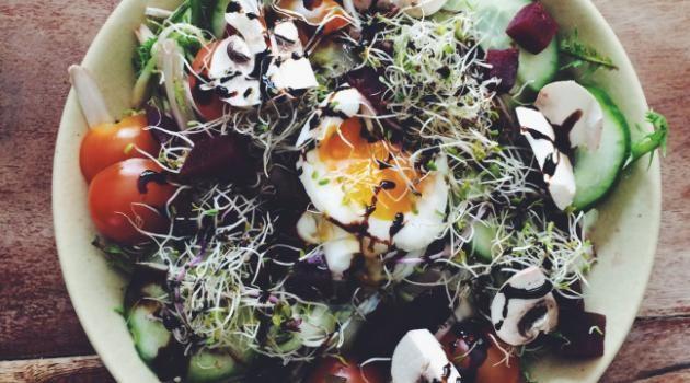 Salade printanière de pissenlit