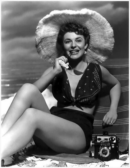 Actress Anne Bancroft (photo resored from doctor Macro) Movie Scans