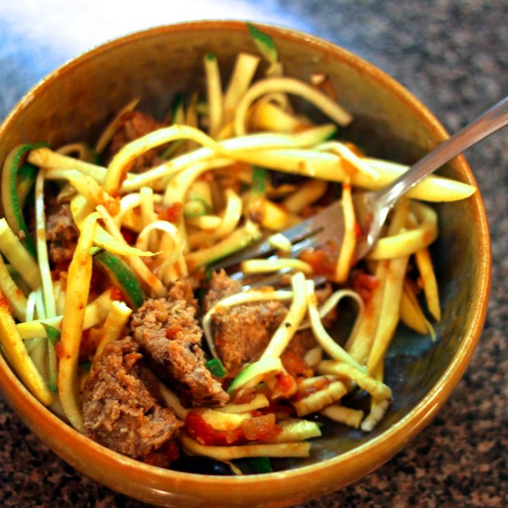 Zucchini spaghetti with meatballs spiral vegetable for Zucchini noodles and meatballs recipe
