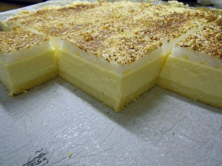 Topfenkuchen, ein tolles Rezept aus der Kategorie Kuchen. Bewertungen: 9. Durchschnitt: Ø 4,2.