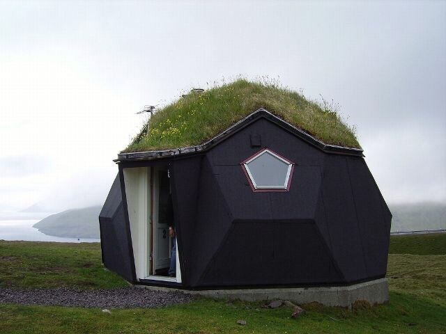 Kvivik Igloo Faroe Islands Denmark 屋上緑化 ドームハウス 小さな家