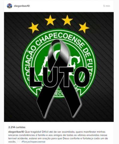 #News  Neymar, Casillas e Raúl e muitos astros do futebol mundial lamentam acidente com avião da Chapecoense
