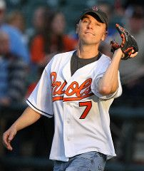 Kenny Chesney at Orioles game