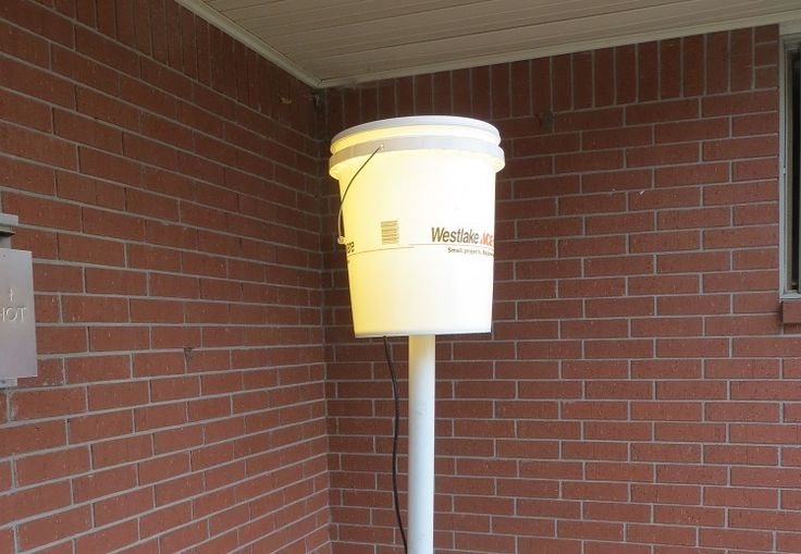 A great camp light for campground camping made from a cheap 5 gallon bucket. Camp light is mounted on a 8 foot PVC pole.