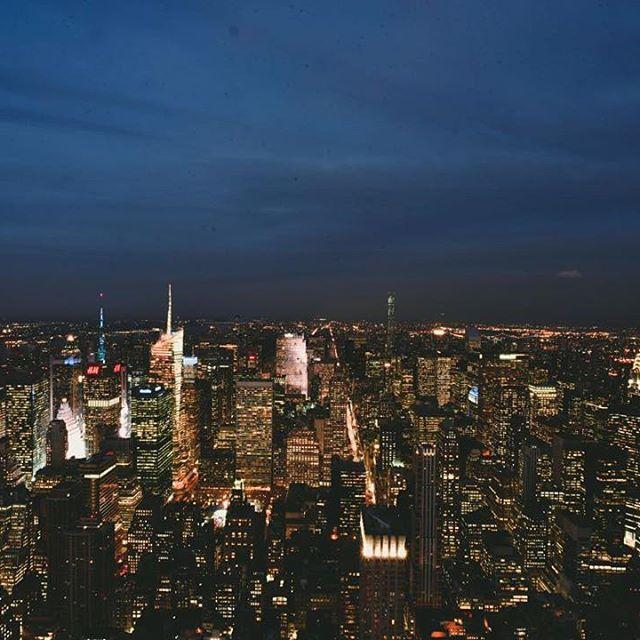 #brooklyn #tower #manhattan #beautifuldestinations #destination #roadtrip #creativephotography #creativephotographer #travel #people #children #storyteller #elegance #instatravel #instadestination #instagood #instadaily #instamood #instalike #instapic #cp_sofikitis #instalifo #people #photojournalism #urban #newyork #skyview