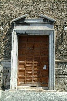La Chiesa di Santa Chiara a Bari | HiPuglia  http://www.hipuglia.com/2013/02/la-chiesa-di-santa-chiara-bari.html