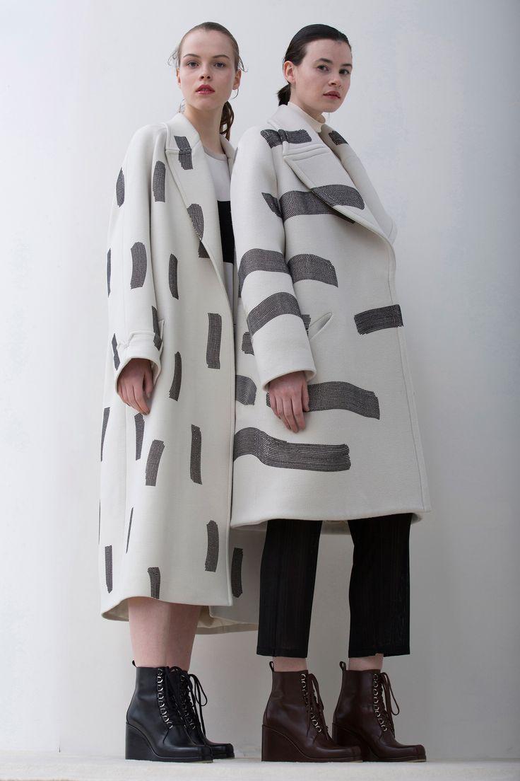 Graphic painterly print coats; monochromatic fashion // Christian Wijnants Fall 2016