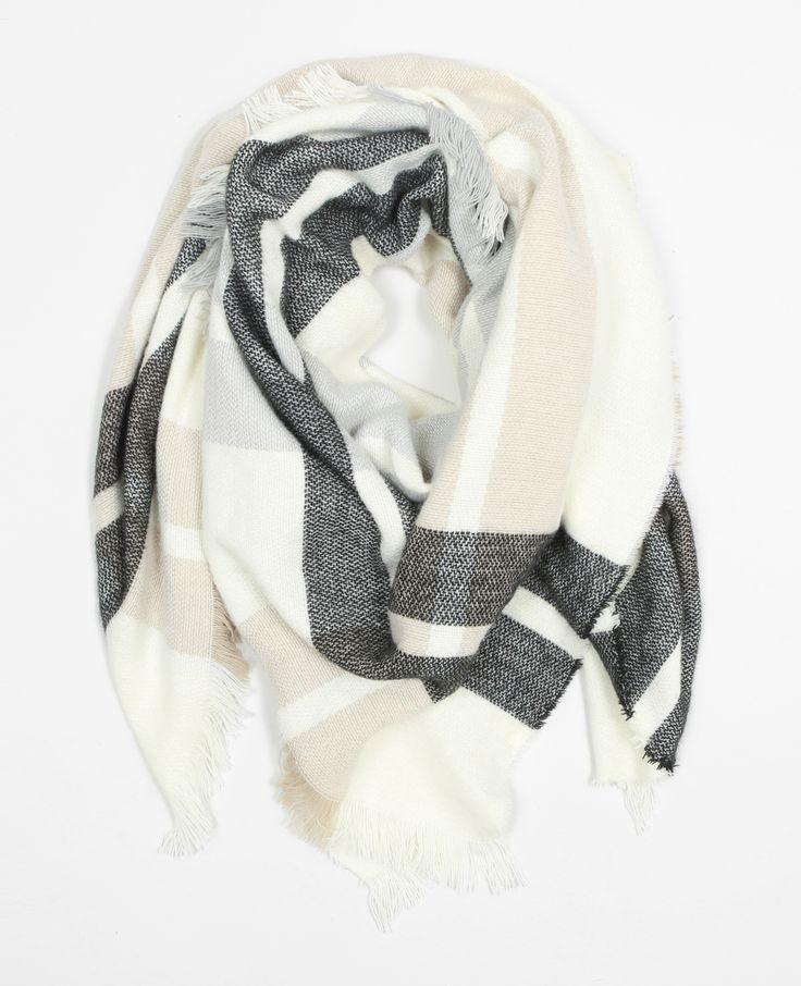 Echarpe plaid à carreaux - On craque pour la douceur de cette grande écharpe chaude.