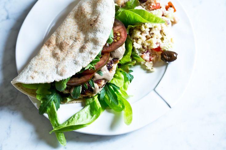 Krůtí burger na řecký způsob   KITCHENETTE