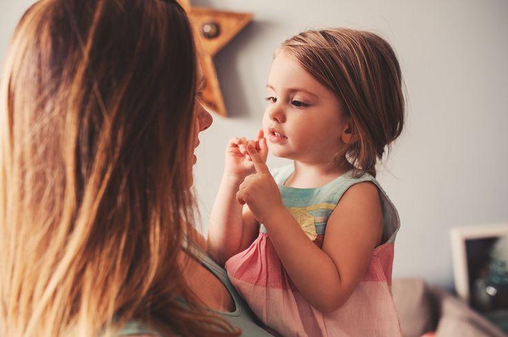 Curso online Lenguaje de señas para bebés. Próxima edición: 15 de agosto de 2017. ¿Sabías que tu hijo (a) tiene la habilidad de comunicarse contigo mucho antes de poder hablar? Hace algunas décadas, se descubrió que si enseñábamos a los bebés el lenguaje de señas, ellos pueden expresarnos sus necesidades y deseos antes de cumplir …