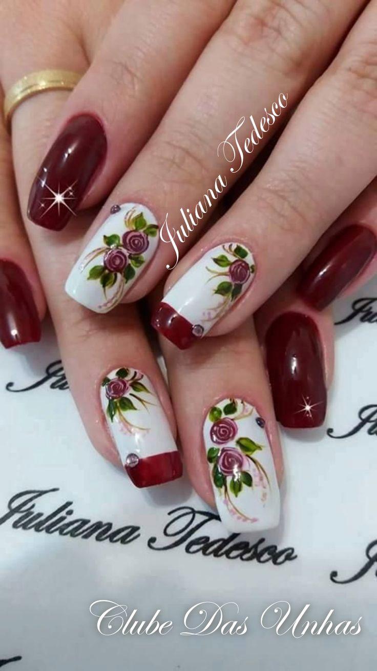 Unhas decoradas com vintage floral