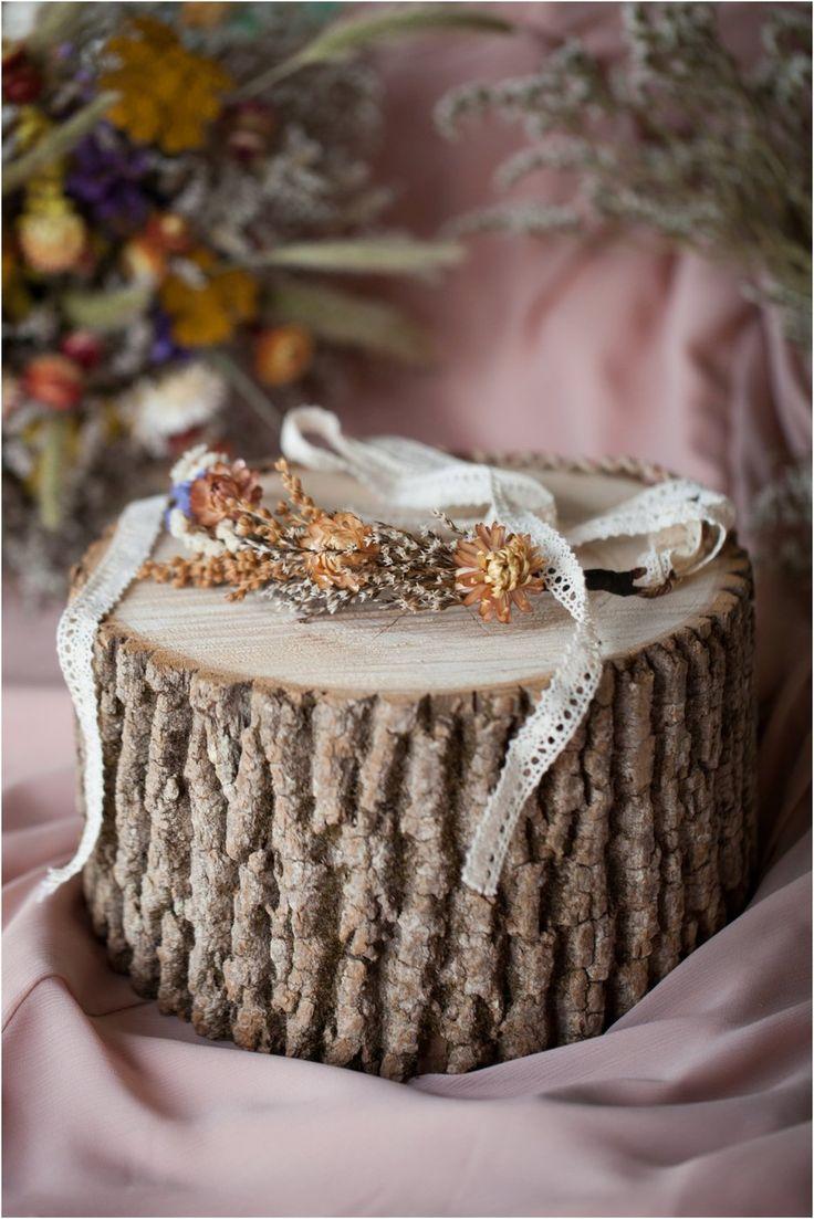 Handmade bridal flower crown with straw flowers, German statice, broom corn, and limonium #fall #wedding #driedflowers #rustic #vintage #flowercrown #lace #outdoorwedding #autumn #gardenwedding
