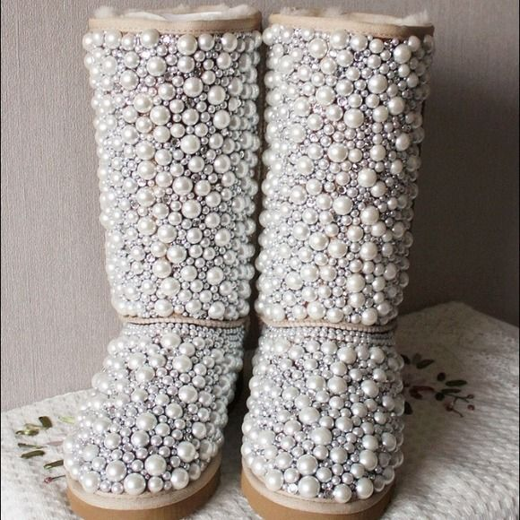 Snow boots factory outlet only $39 ,Press picture link get it immediately!not long time for cheapest