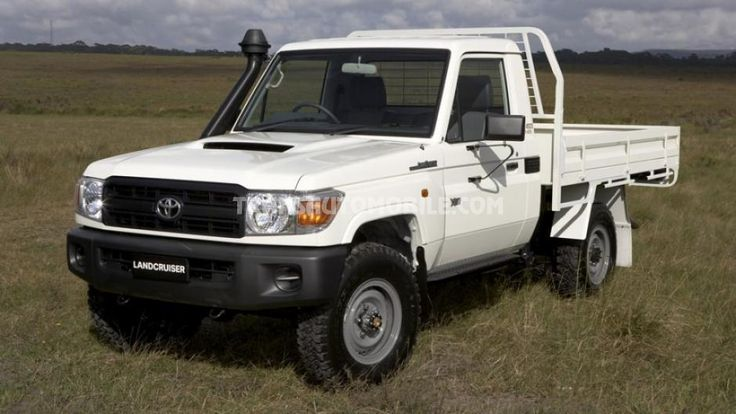 RHD - Toyota Land Cruiser 79 Pick up 4.5L V8 TDI cab chassis workmate RHD 4X4 Brand new (to sale)