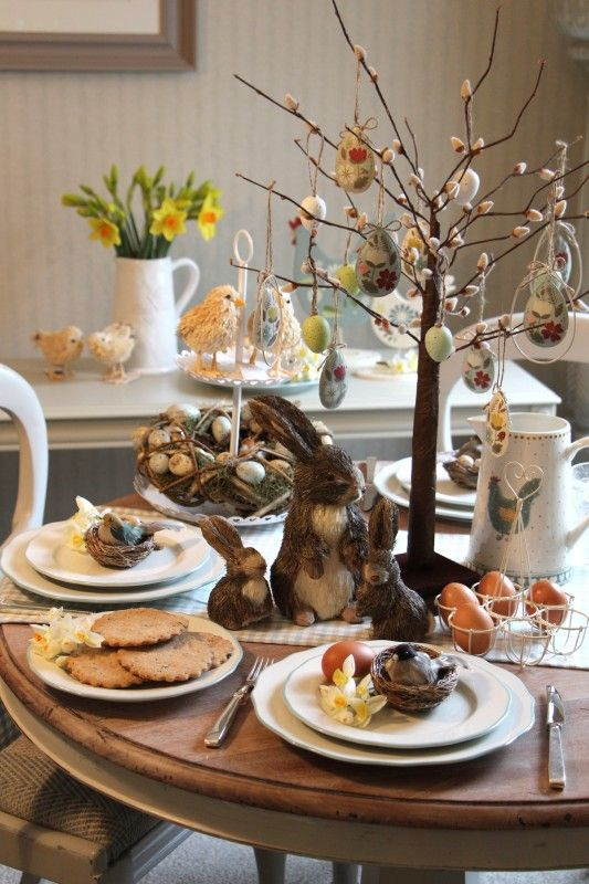 Decorating your Easter Table - Gisela Graham #easter #easterdecorations