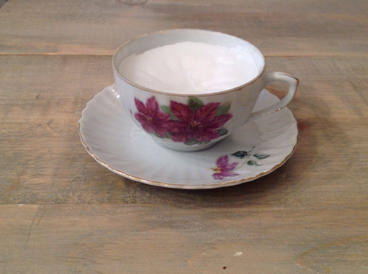 Candle in a vintage tea cup - Au Chalet Vintage