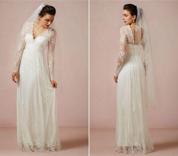 Ha tetszett Katalin hercegné ruhája, ezt imádni fogod. Visszafogott szabás, romantikus csipkével.