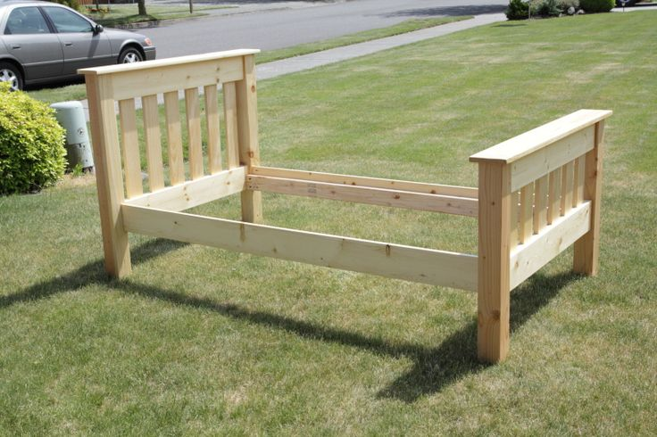 Simple Bed Twin | Do It Yourself Home Projects from Ana White    A bed I build from plans found at Anna White.