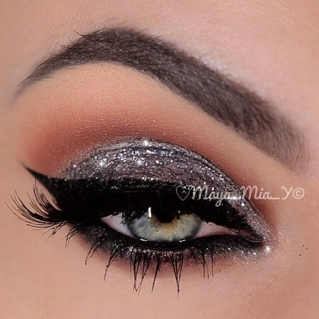 Silver Glitter party eye Makeup