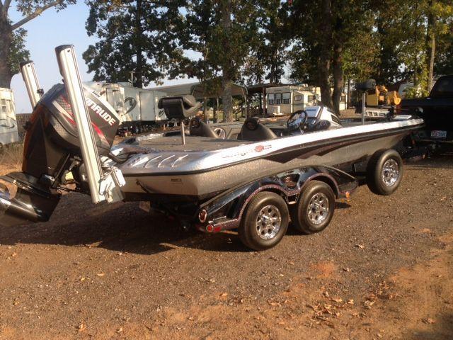 21 Feet 2013 Ranger Z520c Bass Boat   Silver W  Black Trim