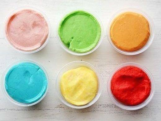 Vamos aprender a fazer Receita Massinha Caseira Play Doh usando ingredientes que temos em casa, barato e fácil de fazer,vem aprender