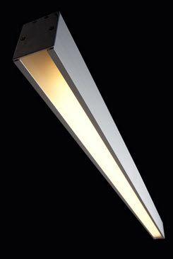 Lampara Luminaria ECO 1011 Descripción: • Luminaria compacta para descolgar con cuerpo en extrusión de aluminio anodizado natural, o pintura electrostática en color, tecnología t5 o led lineal, balasto-driver incorporado, platinas de cuelga desplazables. • Puede fabricarse en módulos de hasta 4 tubos t5 54w (4,68m), alinear en tándem o en ángulo para adaptarse a los diferentes espacios arquitectónicos. • Para uso en iluminación de oficinas, hoteles, salas de reunión y locales comerciales.