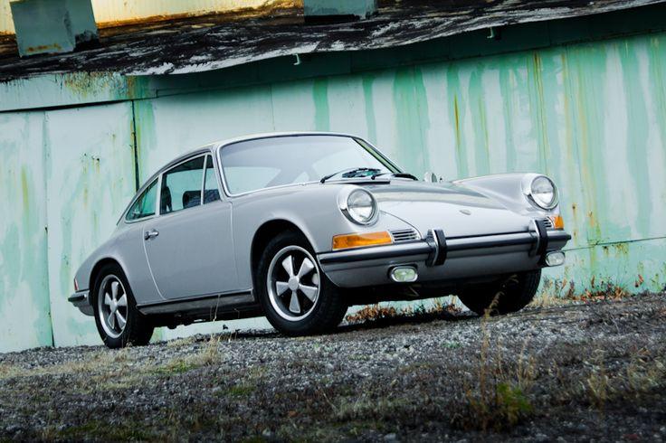 1970 Porsche 911S | Luxury Brokers International