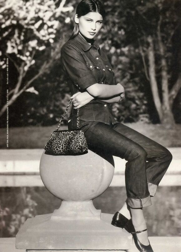 249 migliori immagini laetitia casta su pinterest for Modello di paese francese