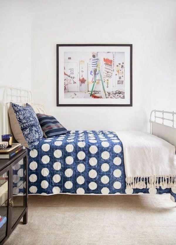 Chambre à coucher- 103 Grandes idées - petit-chambre-a-coucher-blue-armoire