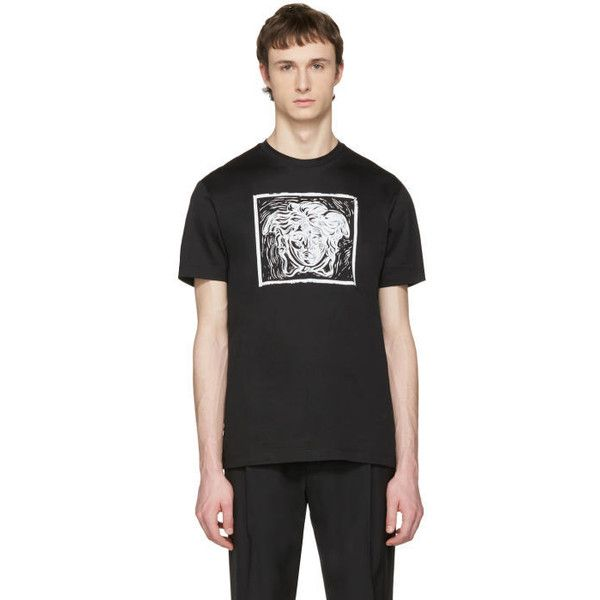 Versace Black Medusa in Square T-Shirt (€240) ❤ liked on Polyvore featuring men's fashion, men's clothing, men's shirts, men's t-shirts, black, versace mens shirt, mens short sleeve t shirts, mens short sleeve shirts, versace mens t shirt and mens graphic t shirts