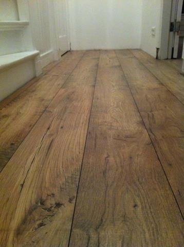 prachtige vloer, lijkt hout maar is laminaat QuickStep Eligna wide laminaat