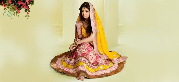 Get the best quality bridal or festive special #lehenga #choli from our #onlinestore. #lehengacholi