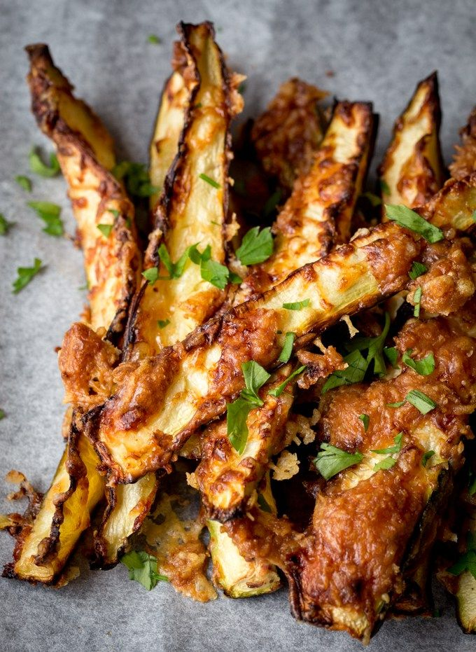 Crisp at the edges, soft in the middle, and covered with golden parmesan. These courgette fries make a great low-carb breakfast with a soft boiled egg.