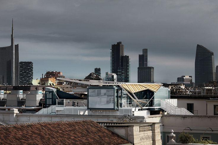 Cena con vista   Sul tetto di Palazzo Beltrami, a Milano, Park Associati ha posato un piccolo padiglione: un ristorante itinerante affacciato sulla città, completamente prefabbricato.
