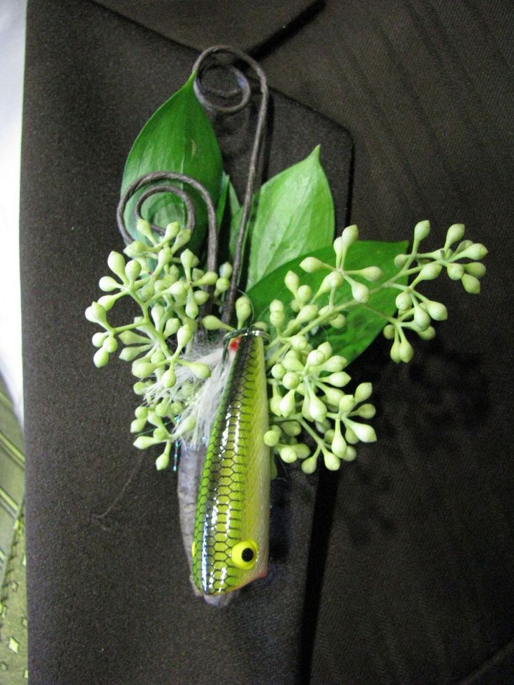 is one of my favorite detaisl the fishing lure boutonnire