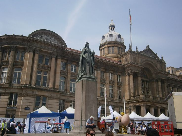 The sun is shining at Victoria Square, where thousands of people enjoyed the Jazz and food Festival.