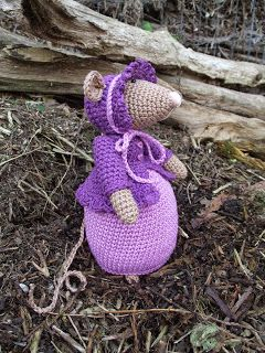 Third Dickens mouse - Madison * Haakjuffie* 's blog : haakwerkjes