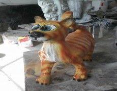 Azman Cat Statue