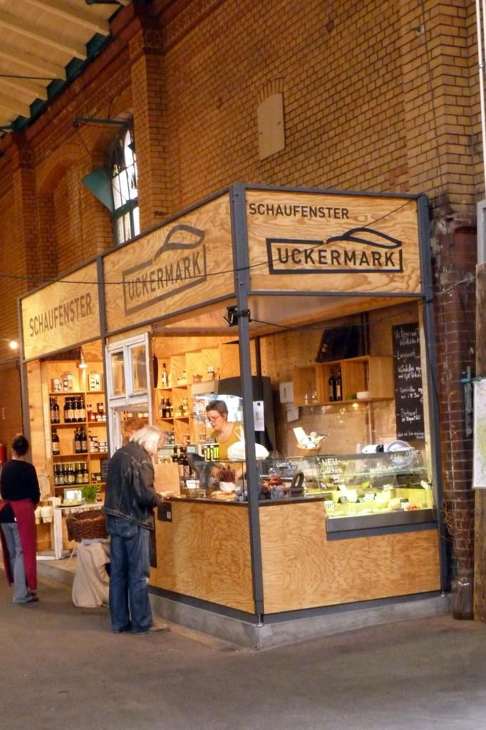Nice setup for a cafe as well! Marktschlendern : Markthalle Neun in Berlin – Kreuzberg