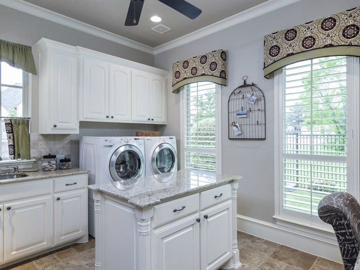 71 best laundry room designs serene places to wash dry for Bathroom mudroom combo