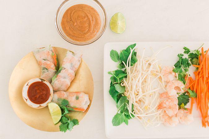 Obter a receita para estes rolinhos primavera vietnamitas lindos e deliciosos