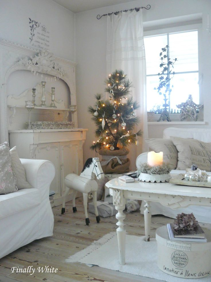 Christmas Interior Design best 25+ christmas living rooms ideas on pinterest | ornaments for