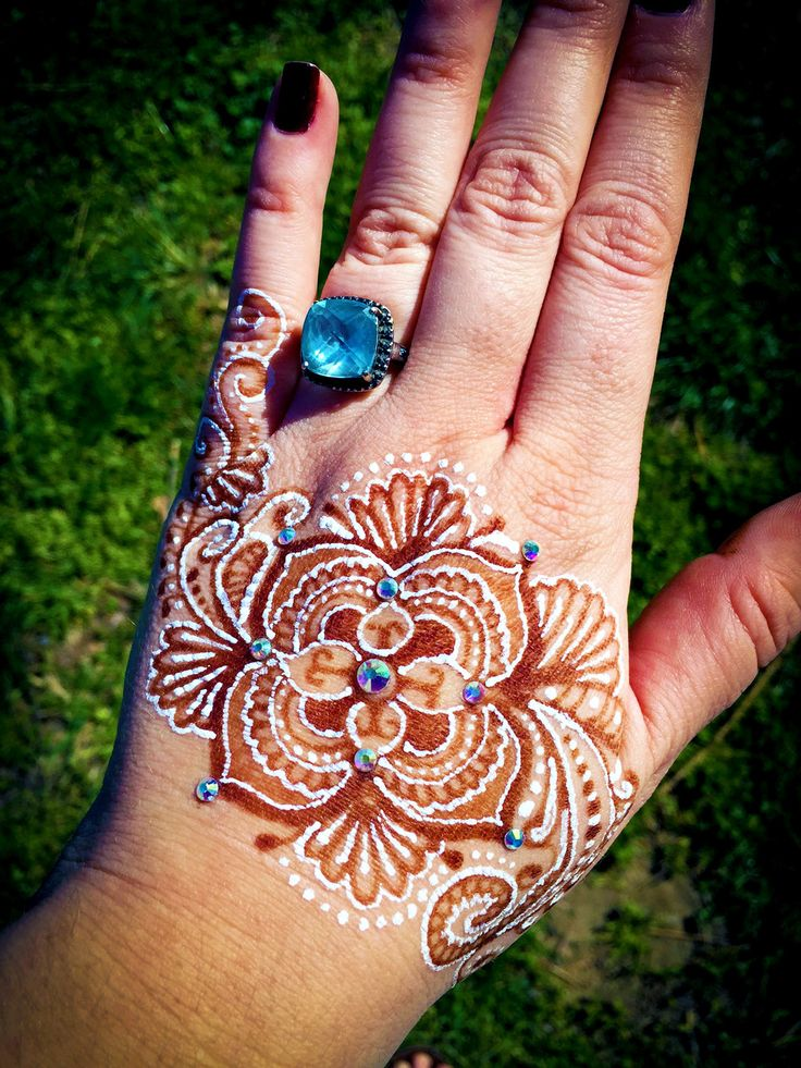 Traditional Henna Tattoo: 7 Best White Henna & Traditional Henna- So Happy Together